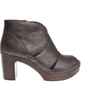 Dansko Delphina Nubuck Clogs Shoes Sz 41